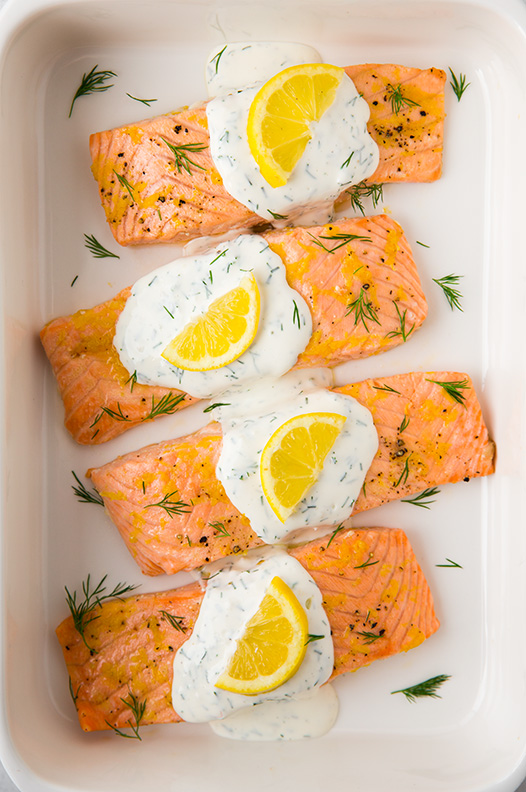 Baked lemon salmon with creamy dill sauce5crop+srgb