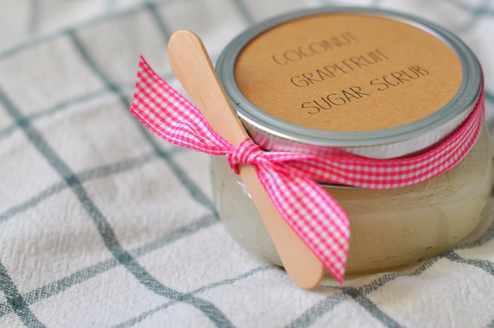 Coconut grapefruit sugar scrub diy