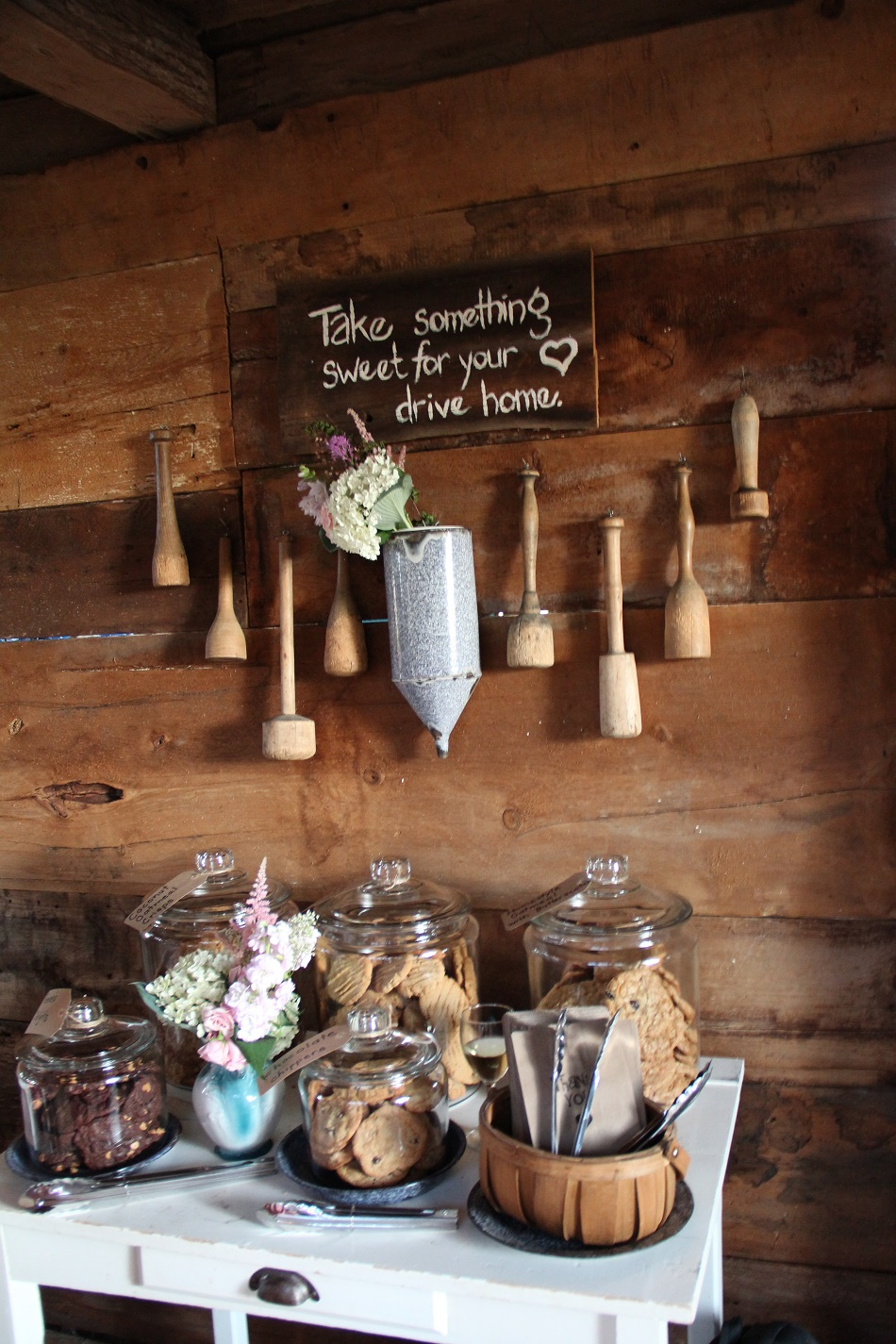 Diy barn wedding sweet table