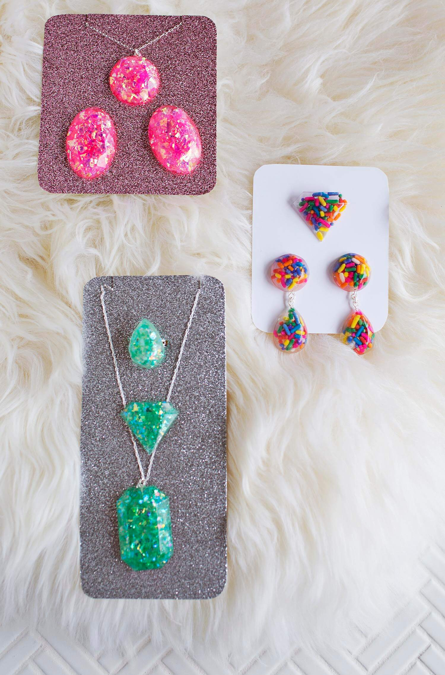 Diy epoxy resin jewelry