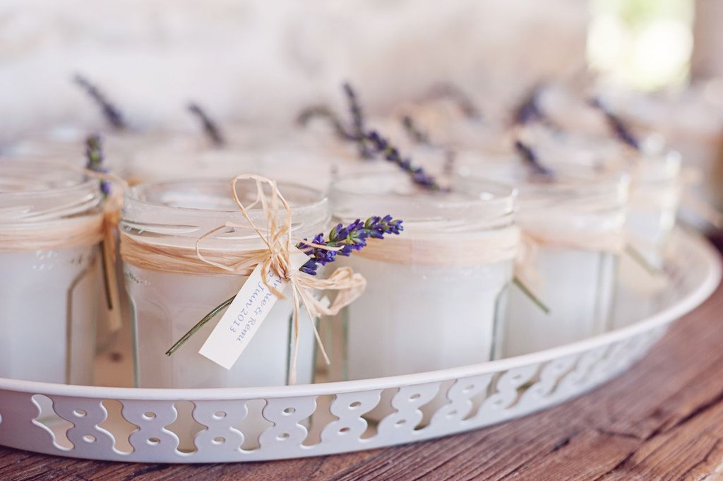Diy homemade candle favors