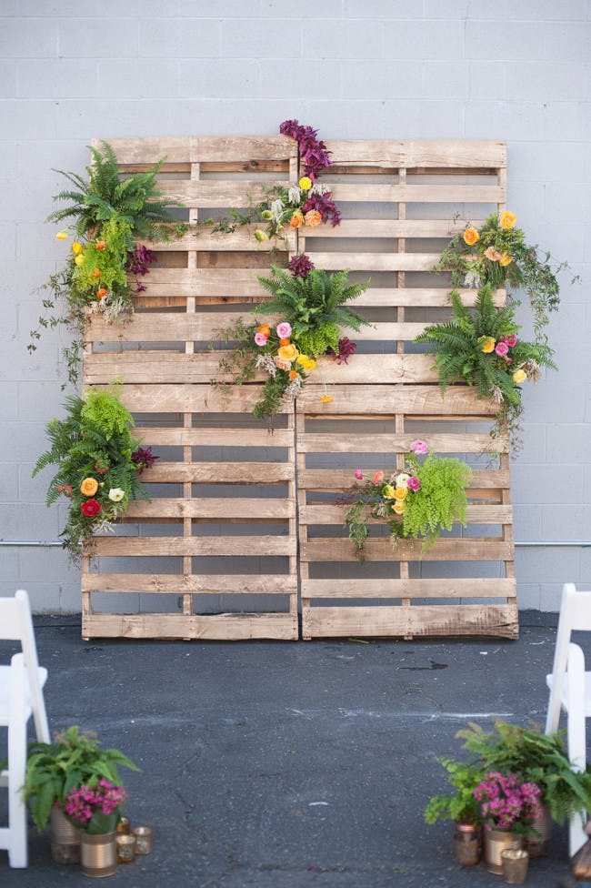 Diy pallet and floral backdrop