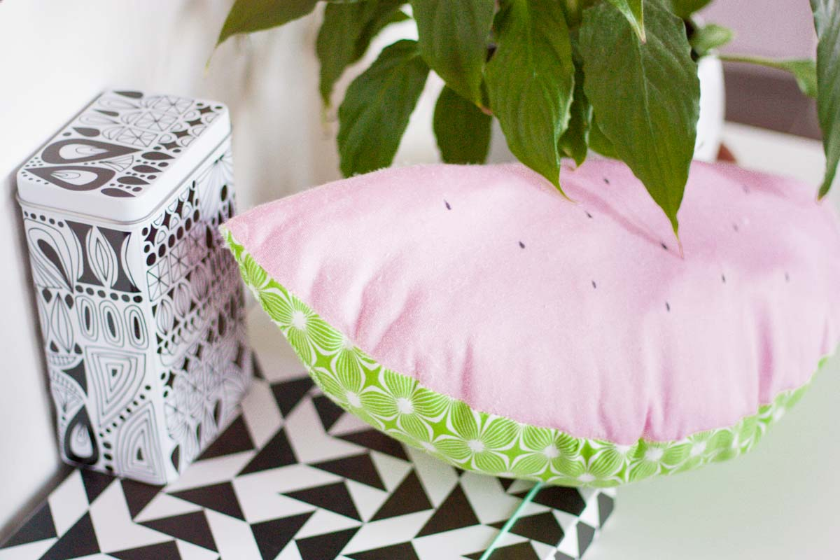 Diy watermelon throw pillow set1