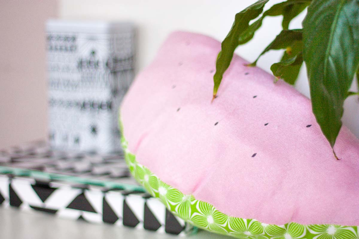 Diy watermelon throw pillow set4