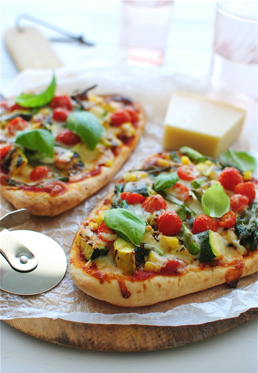 Grilled veggie naan bread pizza