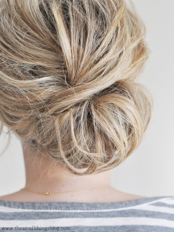 Low chignon tutorial
