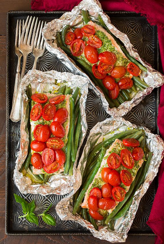 Pesto salmon and italian veggies in foil3 srgb