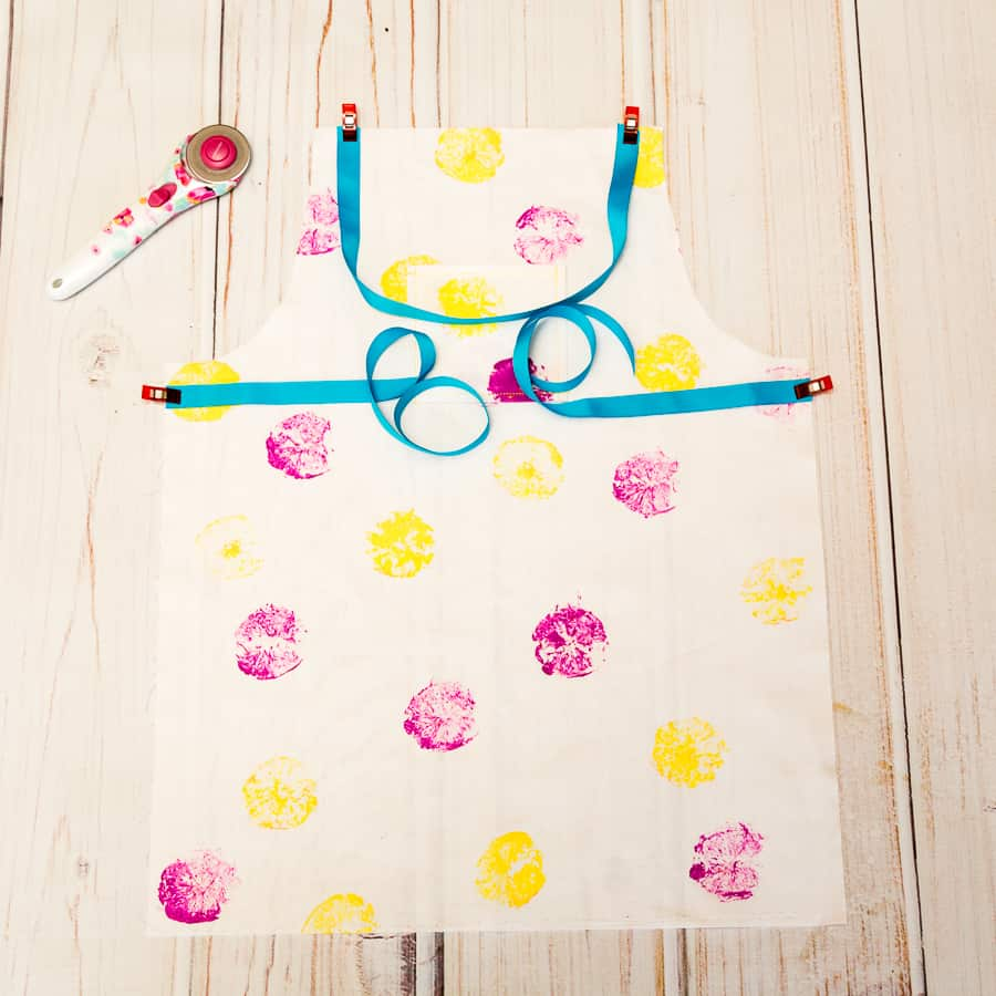 Diy+kids+reversable+apron+pattern+and+tutorial++++canvas+sharpie+art+|+coral+++co