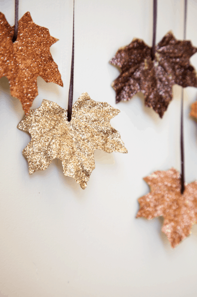 Glitter maple leaf diy