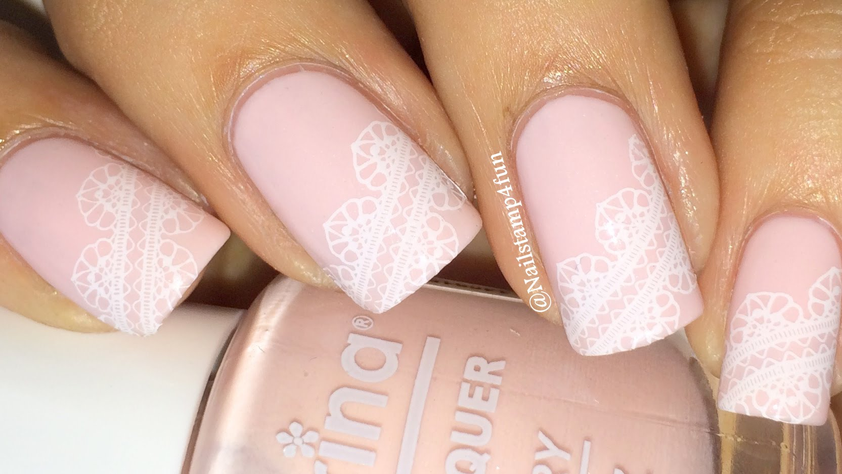 Lace wedding nail design
