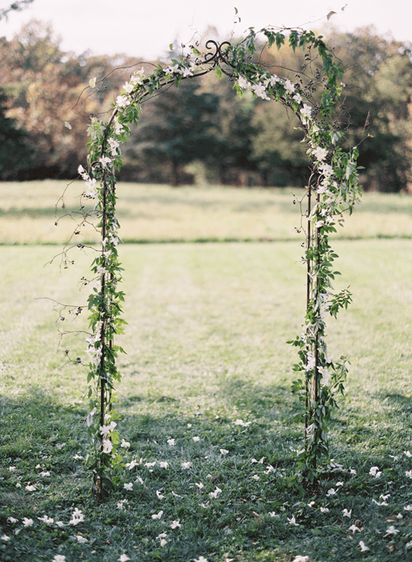 Metal & floral wedding arch diy