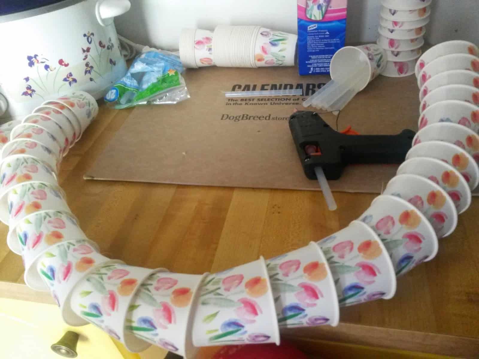 Paper cup decor wreath