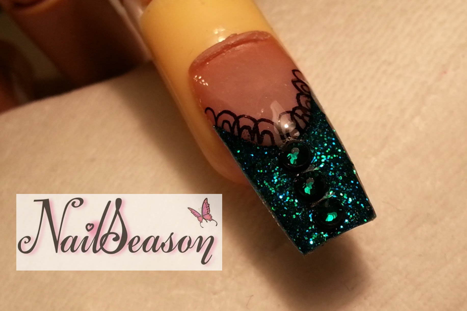 Diy acrylic nail designs sparkles lace and rhinestones solutioingenieria Choice Image