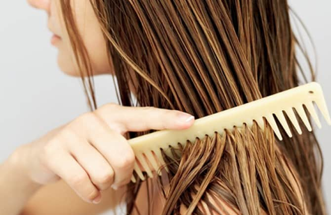 Wide tooth comb for tangles