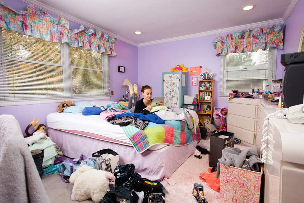 Declutter teen bedroom
