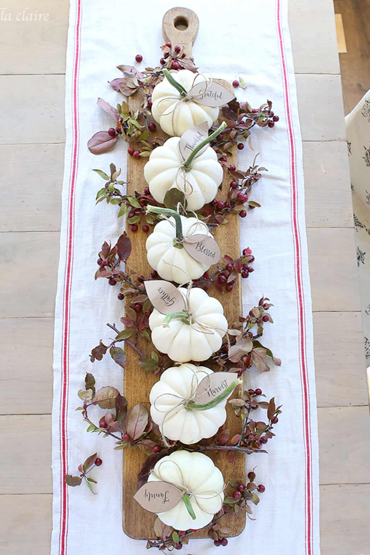 Diy garland pumpkin centerpiece