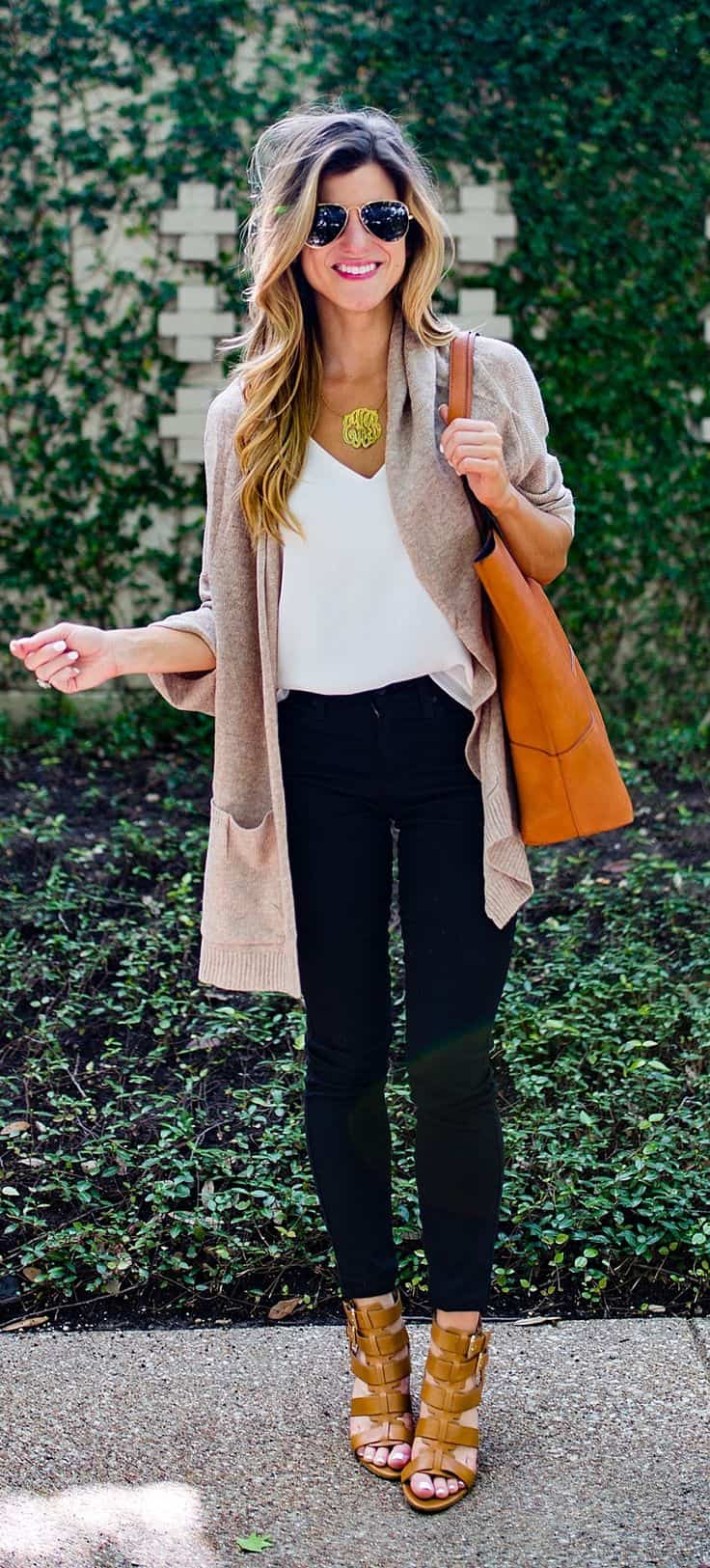 Long cardigan with heels