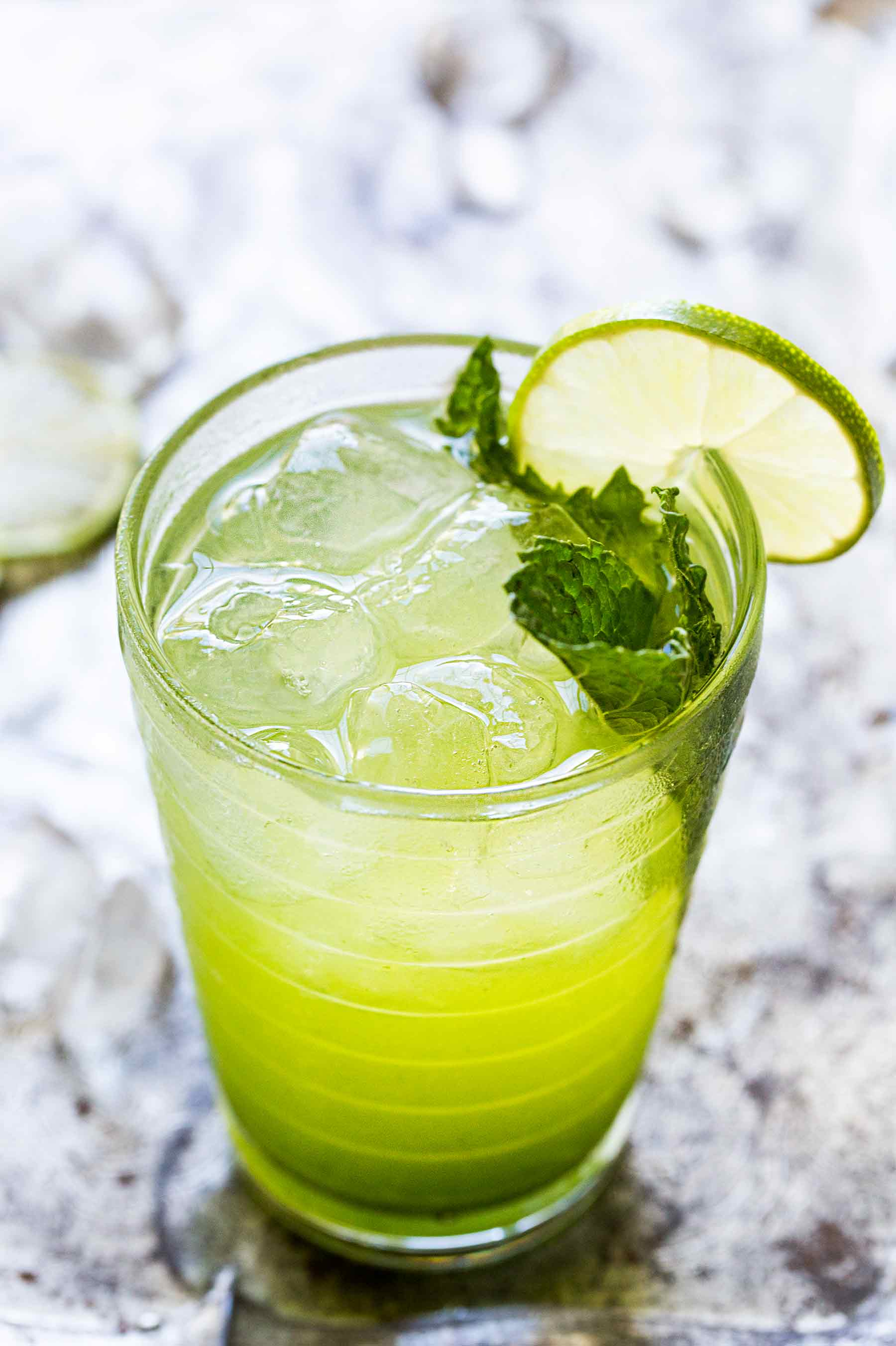 Mint and lime mojito recipe