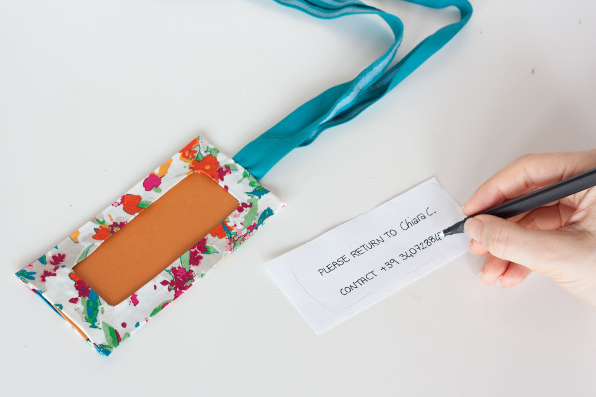 No sew diy luggage tag write