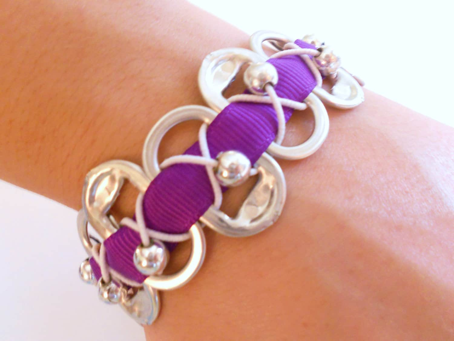 Pop tab bracelet with ribbon and pearl beads