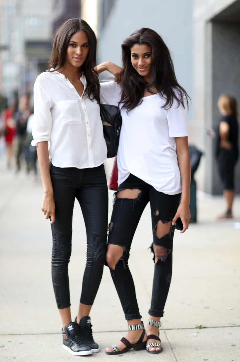 793c10ea605 5. White Top   Black Skinnies. White blouse and black skinnies concert  outfit idea