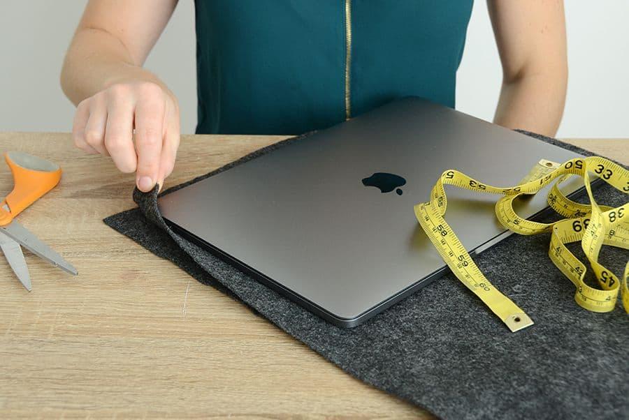 اندازه گیری اندازه مورد لپ تاپ