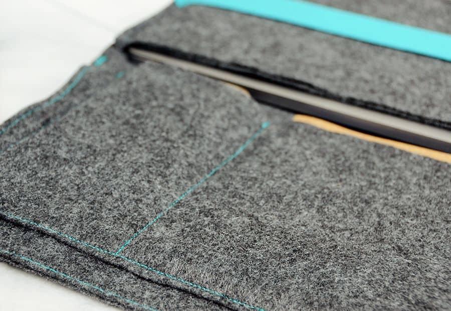 کیف لپ تاپ با کنتراست آبی احساس کرد