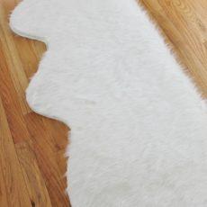 Extra fluffy faux fur rug