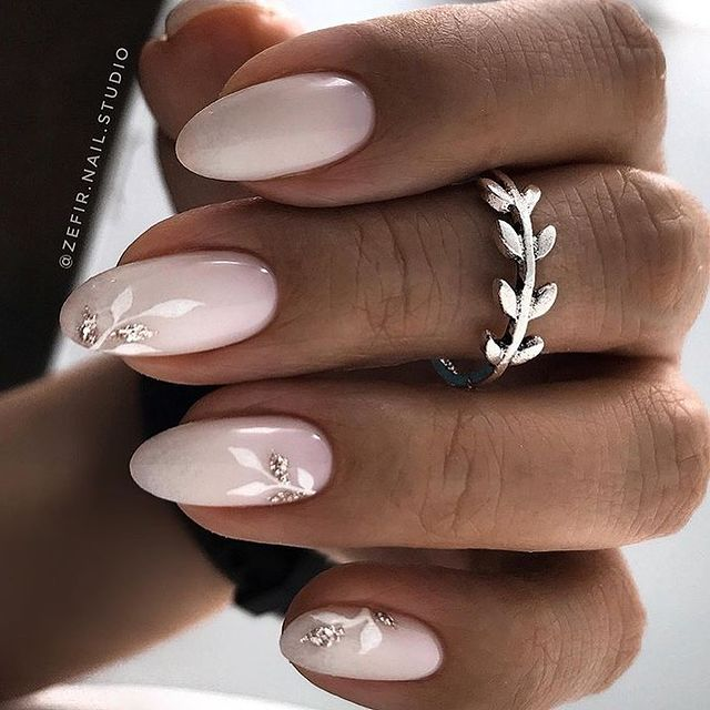 Flowery manicure
