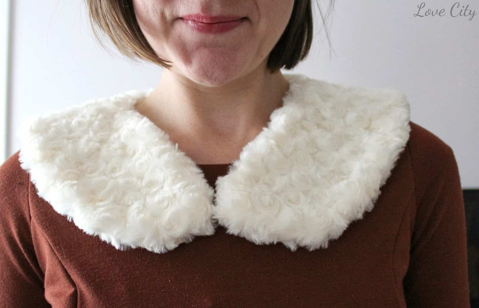 Old fashioned faux fur collar
