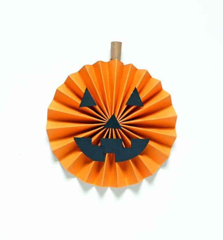 Rosette pumpkin garland diy glue