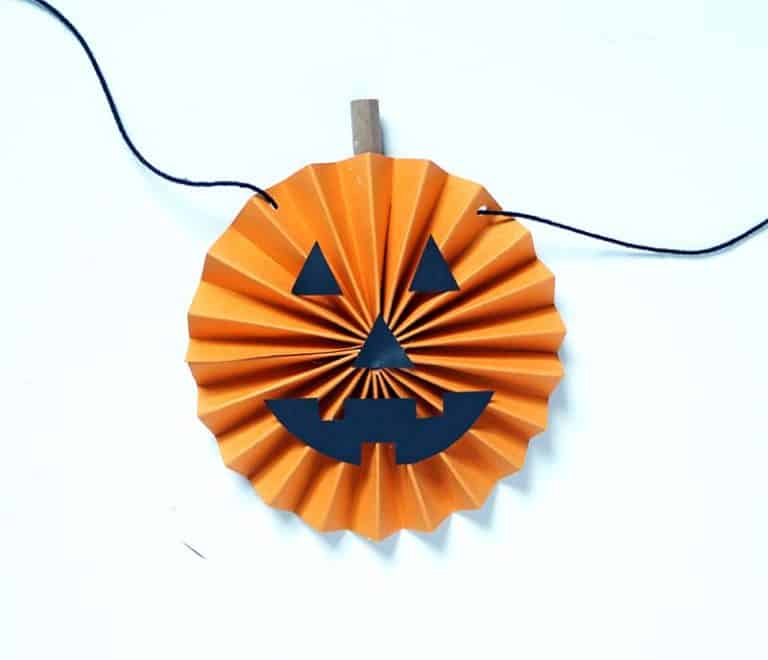 Rosette pumpkin garland diy mini tasee;s