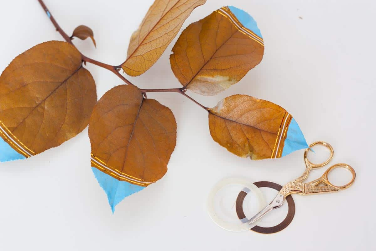 Fall leaf wall hanging gold line