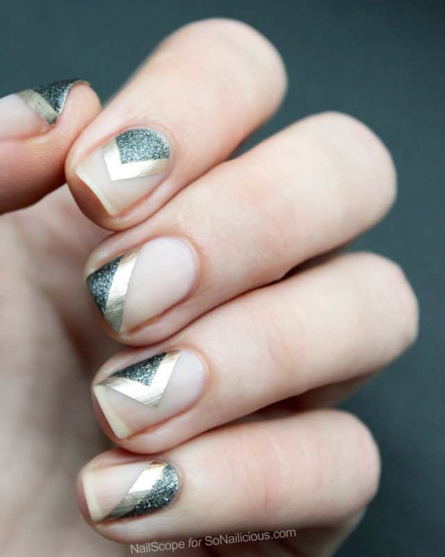 Metallic chevron fall nails