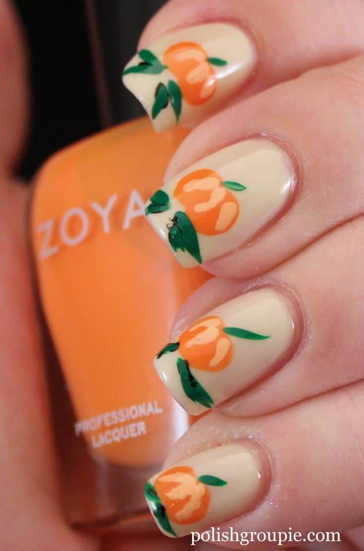 Small pumpkin nail art