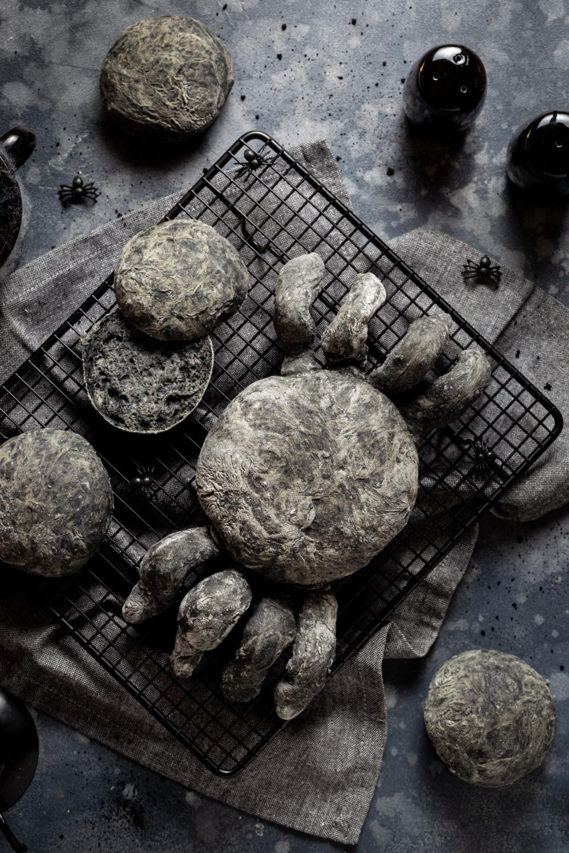 Black dough bun spiders healthy halloween treats