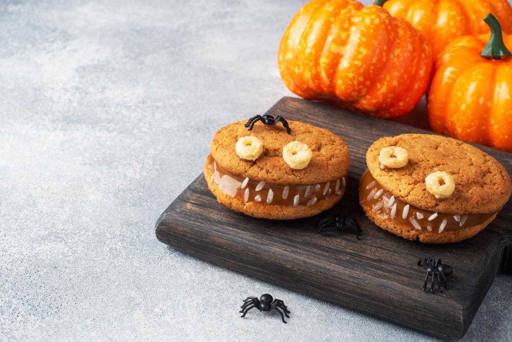 Cream paste cookies school party healthy halloween treats