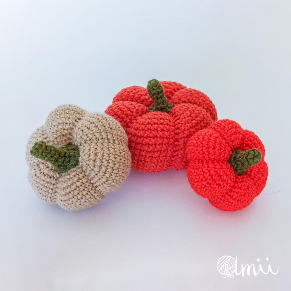 Crochet halloween pumpkin
