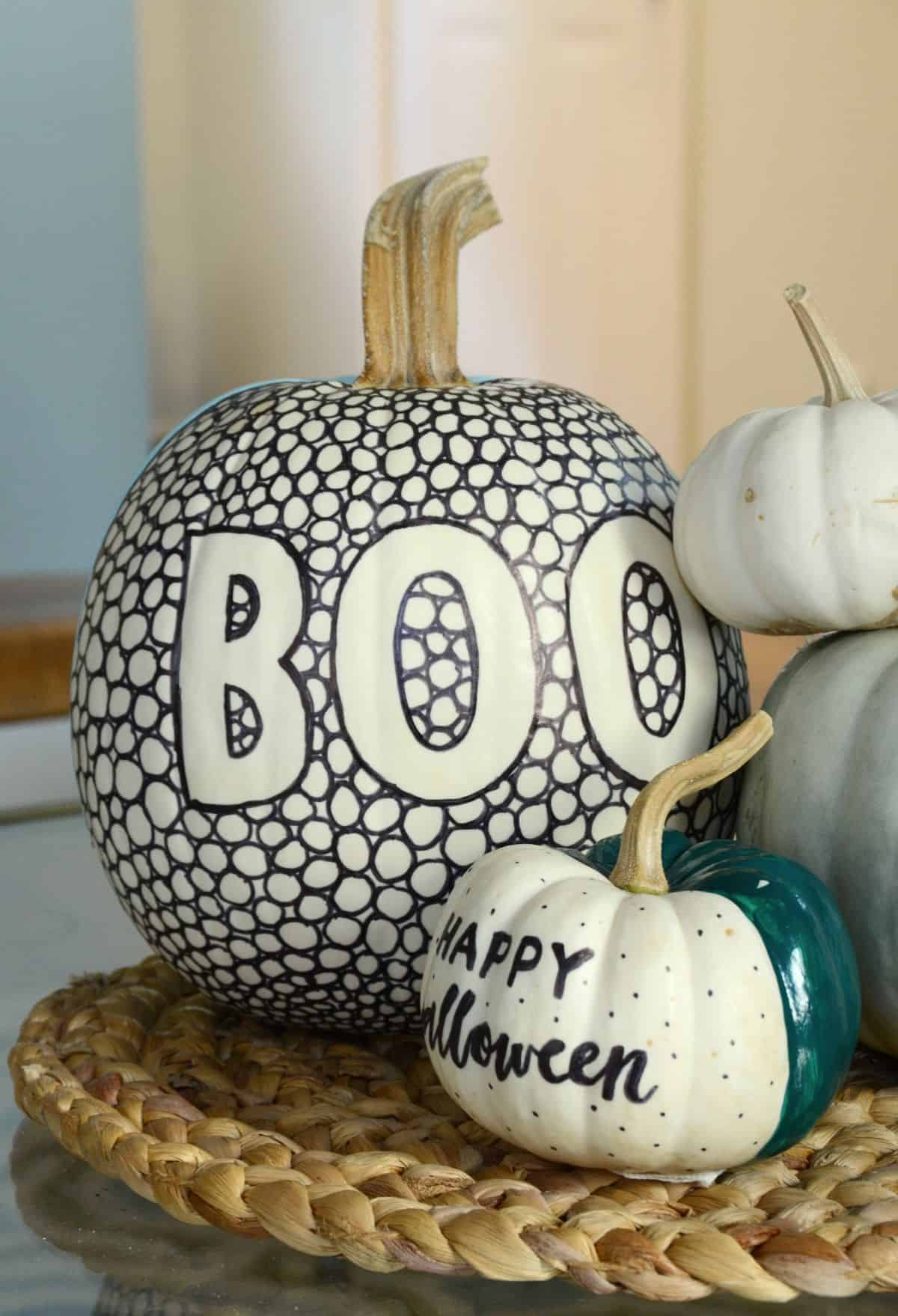 Diy black and white patterned pumpkin for halloween