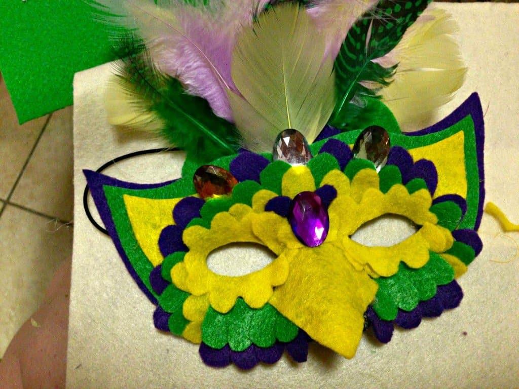 Diy parrot mask