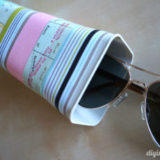 Drink mix container glasses case