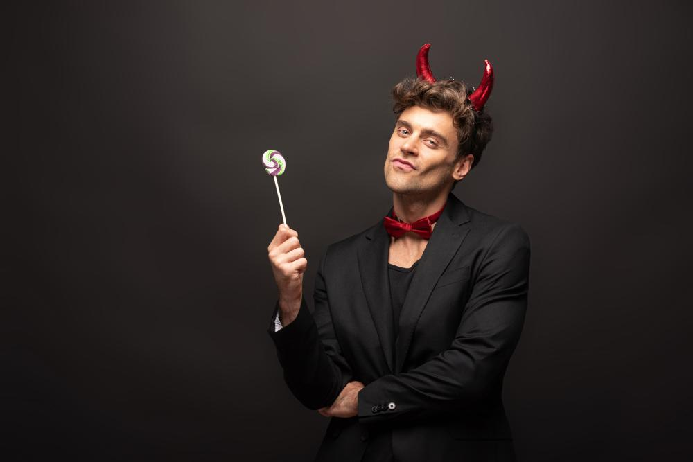 Easy costumes for men sexy devil