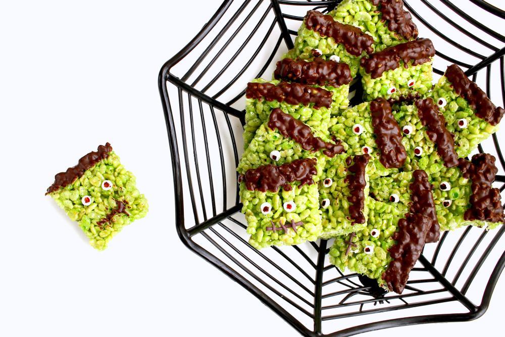 Frankenstein rice krispies halloween finger food ideas