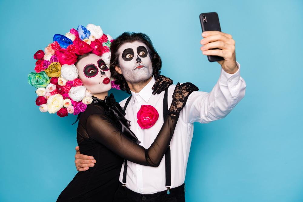 Funny halloween costumes for guys zombies