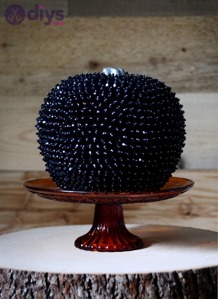 Glamorous beads halloween pumpkin ideas