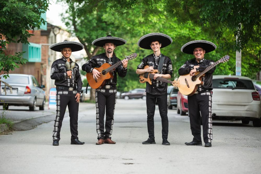 Group costumes for 4 a troup of mariachis