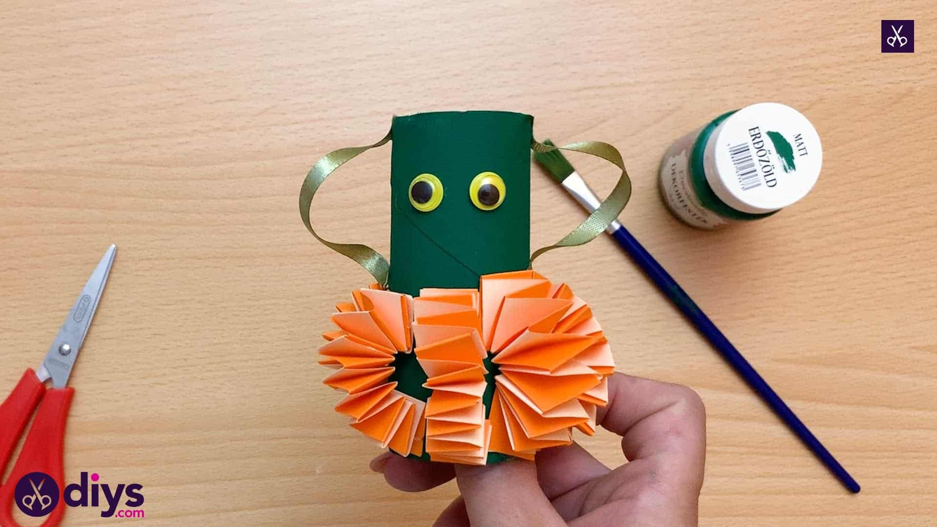 Halloween crafts with toilet paper roll