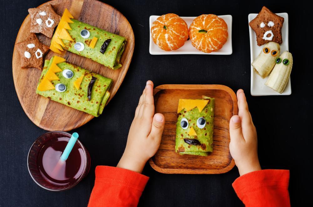 Halloween themed lunch snacks
