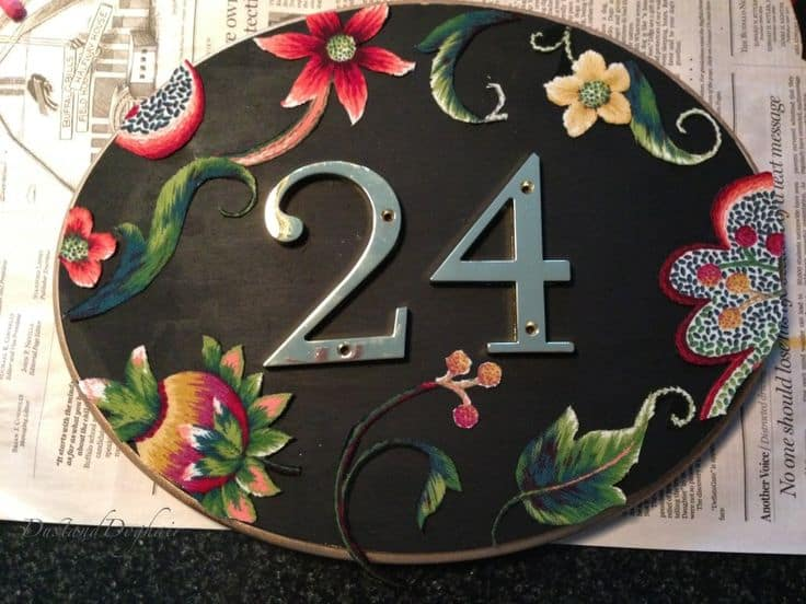 Hand painted flower plaque