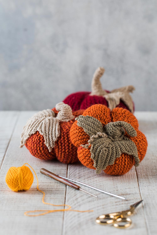 Knitted pumpkins halloween crafts